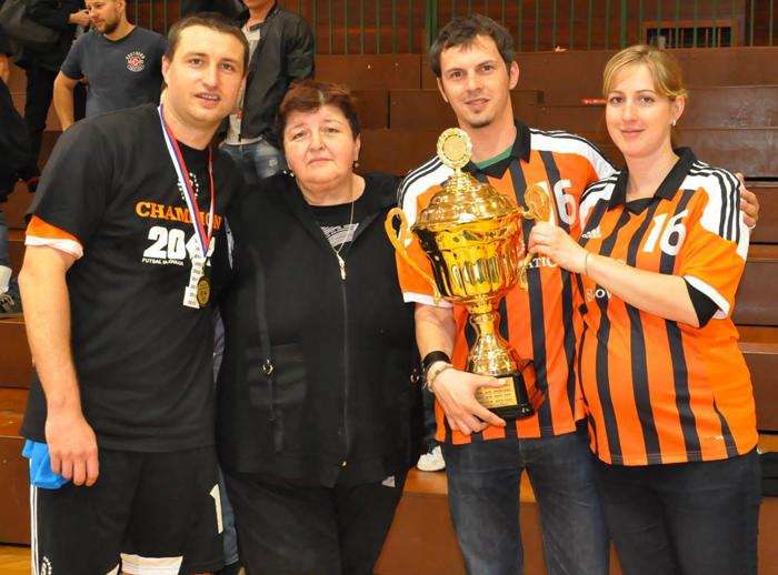 Seničan-Gabriel-Bartošek-s-rodinou