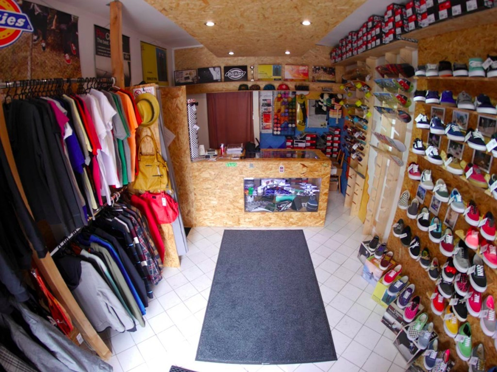 HappyEnd SkateShop v meste Senica