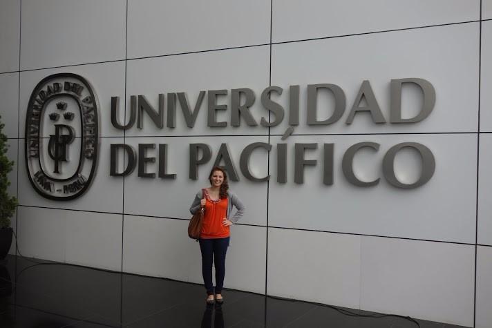 Senicanka Nika v Peru-skola
