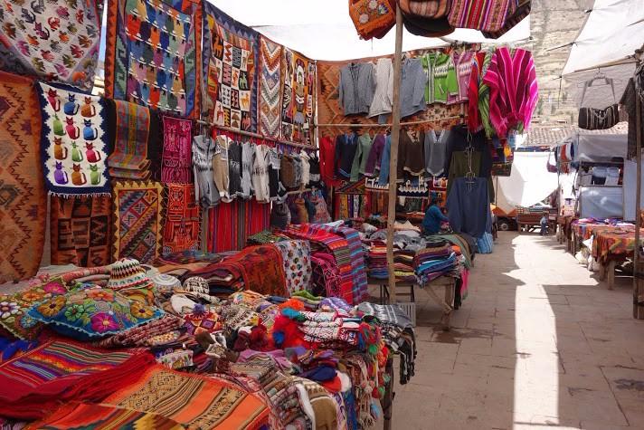 Senicanka v Peru-trhy