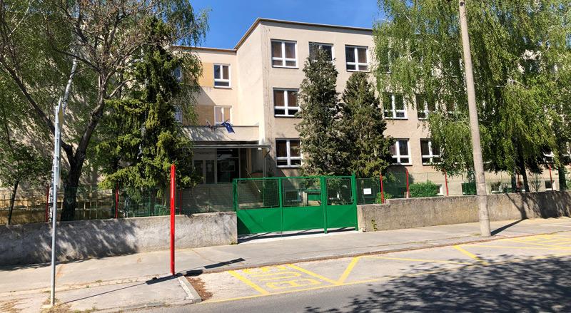 Gymnazium Ladislava Novomeskeho